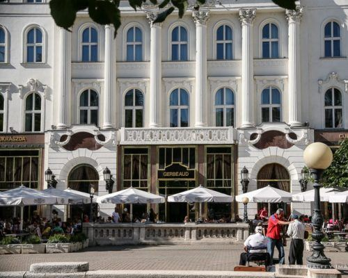 Best Hungarian Restaurants in Budapest – Eat Like a Local