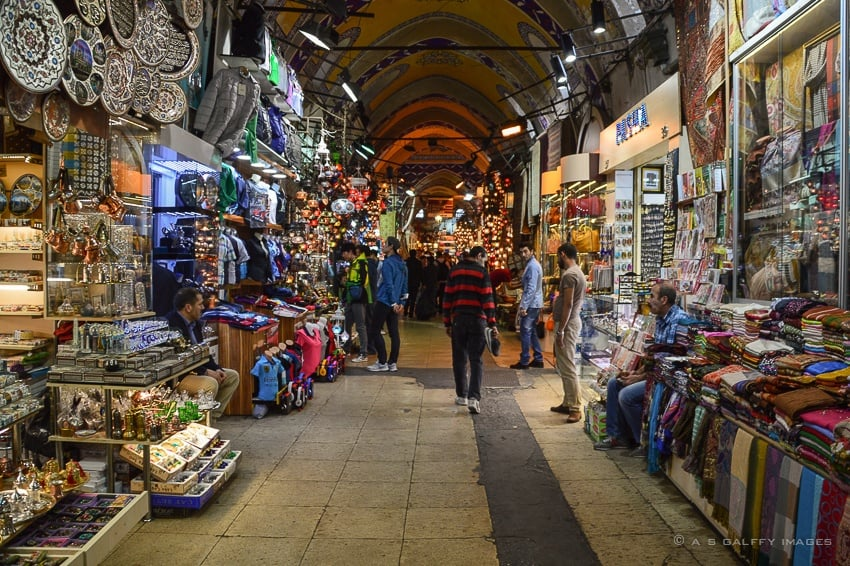 shopping in Istanbul Grand Bazaar