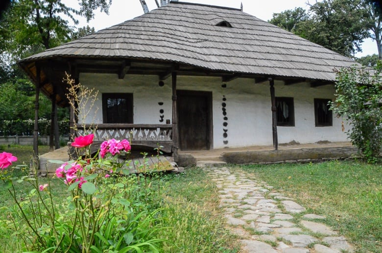 The Ultimate Guide to Visiting the Village Museum in Bucharest