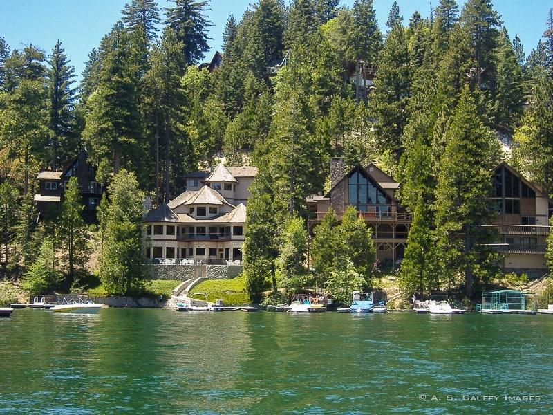 Luxury estates around the lake