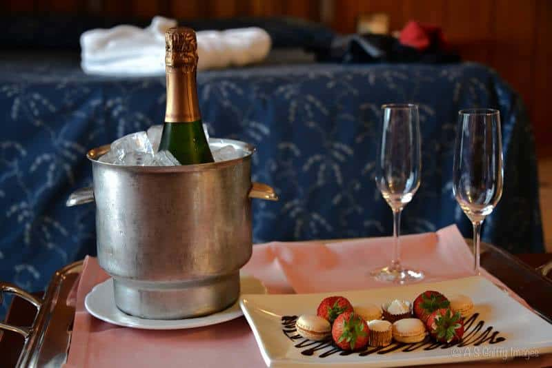 Champagne and cookies at Hotel Santa Marta in Lloret del Mar