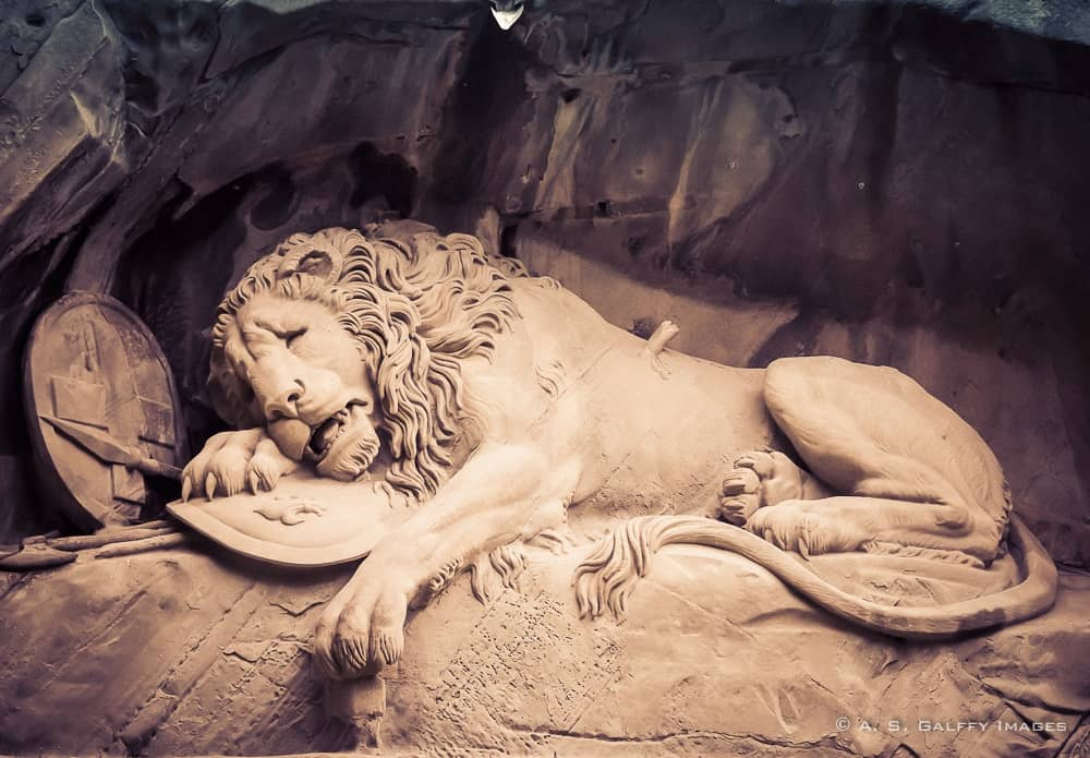 the Lion of Lucerne monument