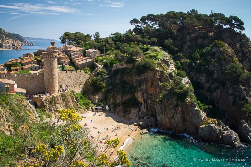Tossa de Mar – One of the Cutest Towns in Costa Brava, Spain
