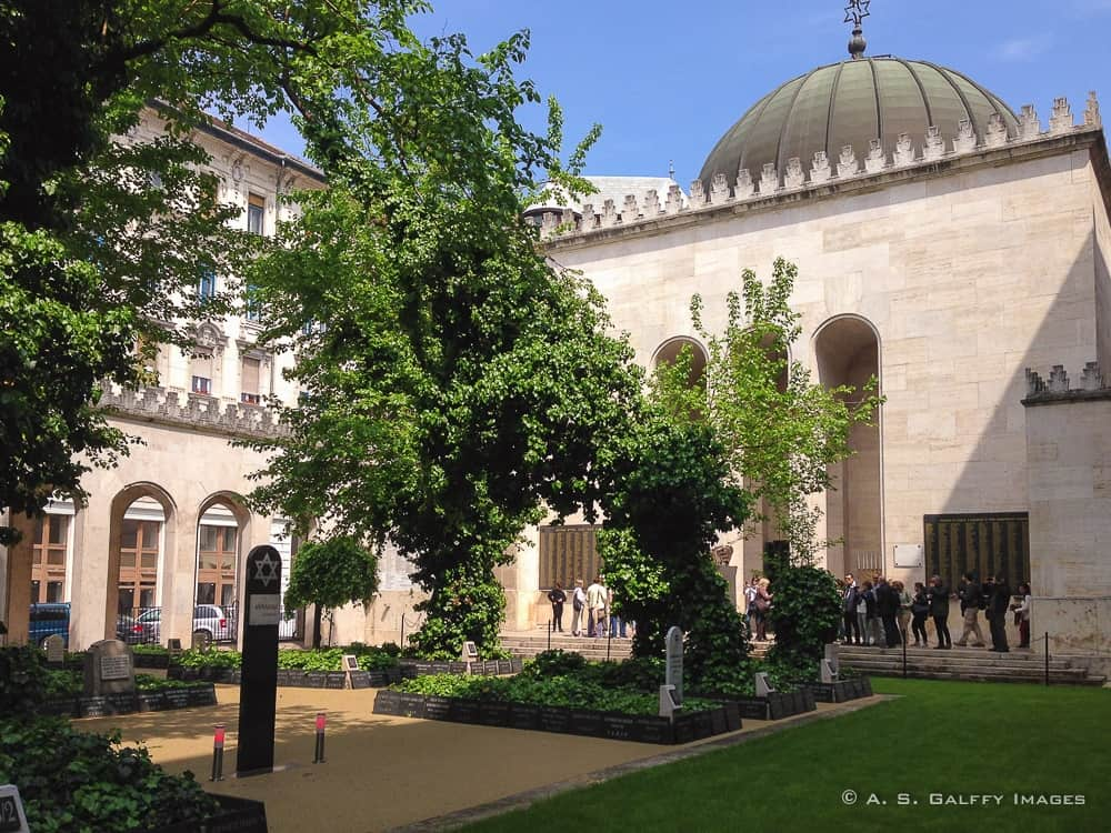 The Great Synagogue in Budapest – A Walk Through Jewish History