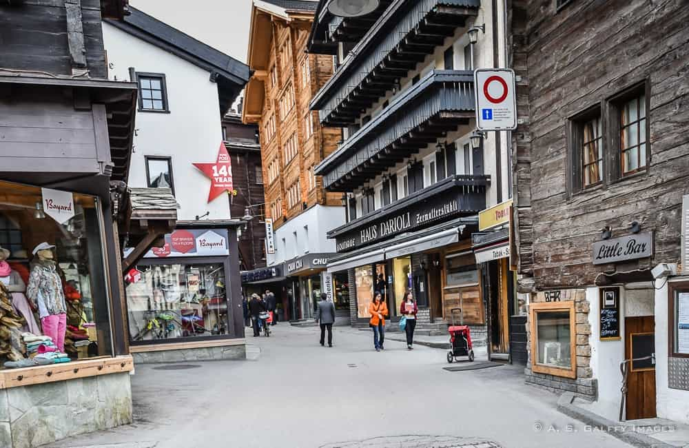 shopping on Bahnhofstrasse in Zermatt