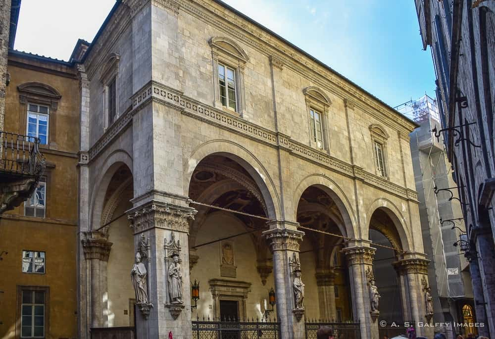 Loggia della Mercanzia - Sienna day trip