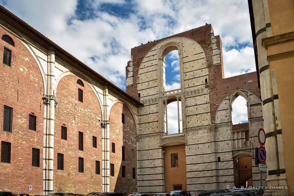 Unfinished wall next to the Duomo –Siena day trip