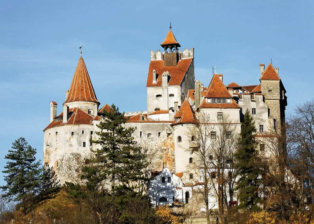 10 Great Castles and Fortresses You Should Visit in Romania