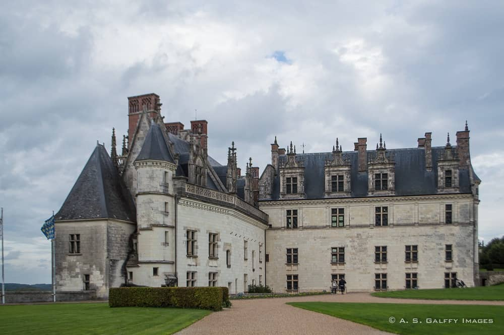 Château d'Ambroise seen from the interior courtyard