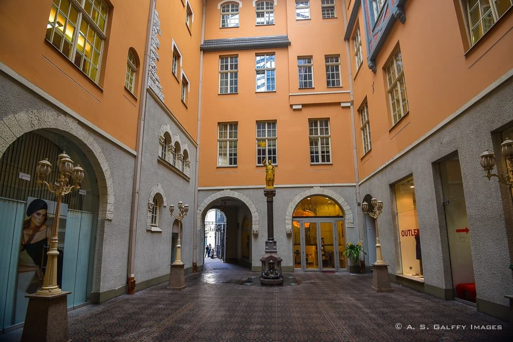 Amazing Places That You Must See in Riga Old Town