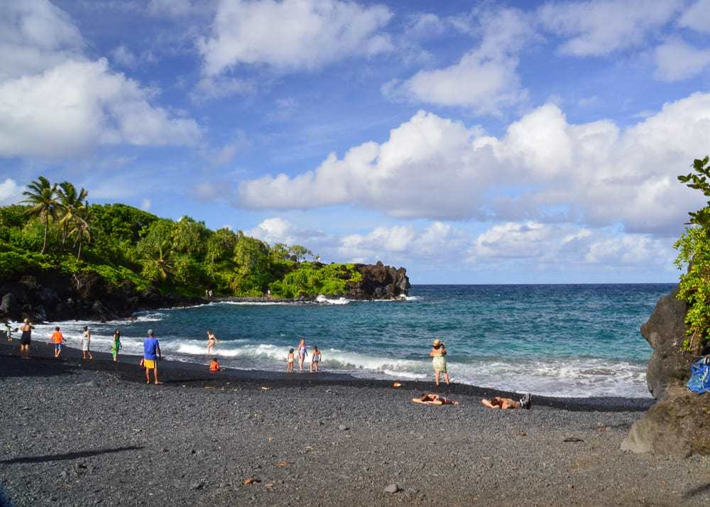 Black sand beach in Maui/ kauai vs. maui