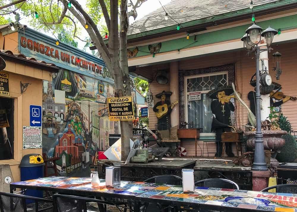 Tio's Tacos patio area