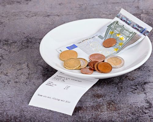 To Tip, or Not to Tip? – a Rant About Tipping in America