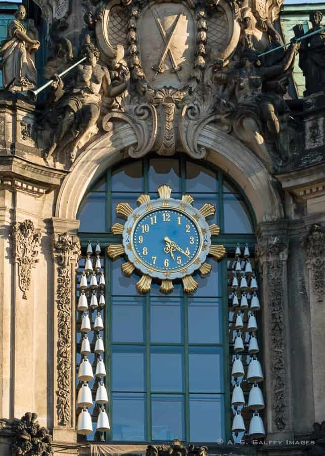 Carillon Pavilion at Zwinger Palace - attractions in Dresden