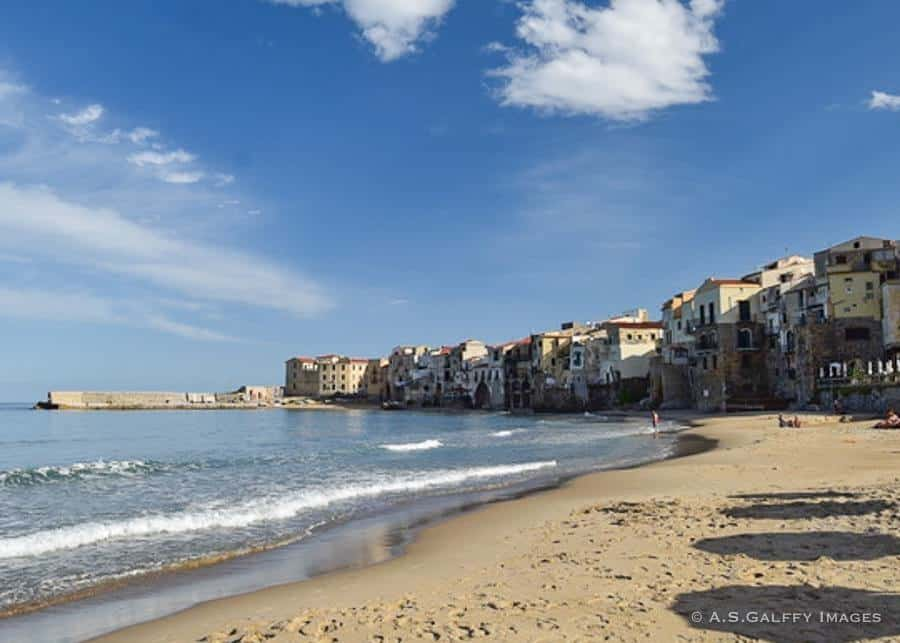 Cefalu - towns in Sicily