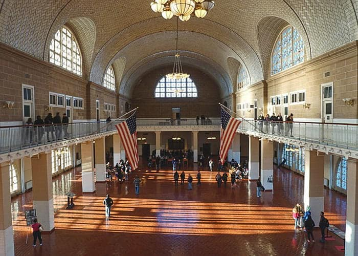 Ellis Island Museum in 4 days in New York