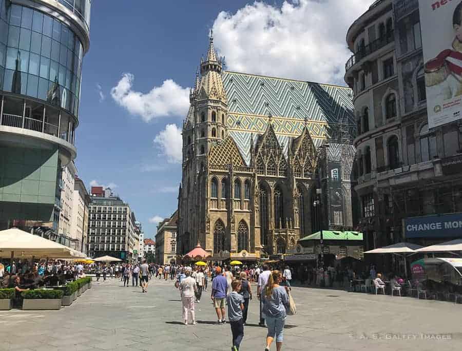 View of Stephenplatz